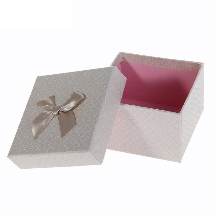 Коробка куб с бантом (белый, красный) - 2